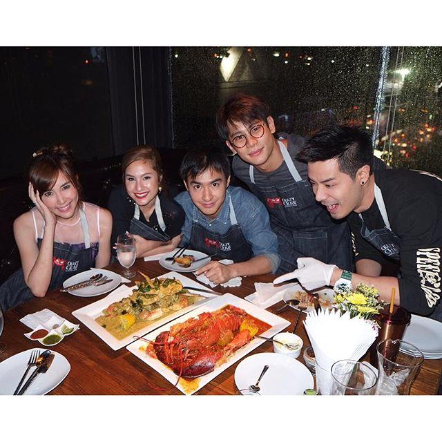 Credit photo chane_cns ig: คือไม่รู้เลยนะว่าวินชอบกินปู ฮา ฮา ชี้อยู่จานเดียวเลยนะ