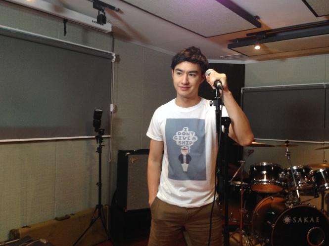Credit Photo Media Studio: แหมร้องเพลงหยุด เหรอเอิ่มติ่งฟินแพร๊บนะ ฮุ ฮุ